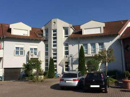 Helle 1 Zimmer-Wohnung mit Balkon nähe Aquadrom