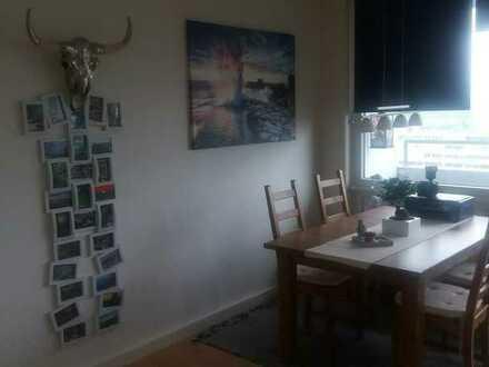 -Reserviert-renovierte 1-Zimmer-Wohnung mit Balkon und Einbauküche in Augsburg