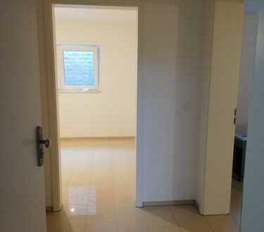 Schöne 2 Zimmer Souterrain Wohnung