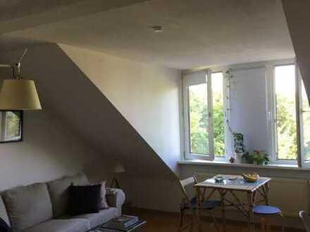 Luftige, gepflegte 2-Raum-Wohnung mit Blick ins Grüne
