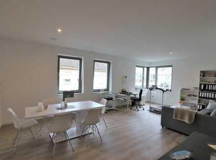 KFW-55 ! Moderne Etagenwohnung mit Parkettboden,offenem Küchenbereich und TG-Stellplatz