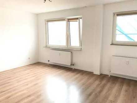 helle und renovierte 1 Zi.-Whg. in Dietzenbach-Steinberg (Hochhaus)