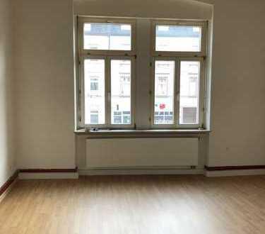 Attraktive, teilrenovierte 3-Zimmer-Wohnung mit gehobener Innenausstattung in Heidelberg