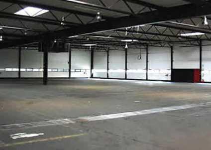 """""""BAUMÜLLER & CO."""" 1.400 m² Lagerhalle - Top Anbindung -"""