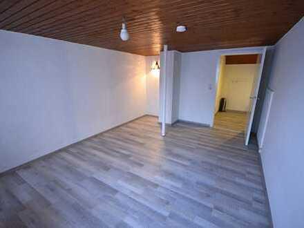 1 Zimmer DG Wohnung im Altbau - nur für Pendler