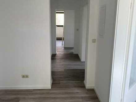 Erstbezug nach Sanierung: attraktive 4-Zimmer-Wohnung mit Balkon in Altertheim