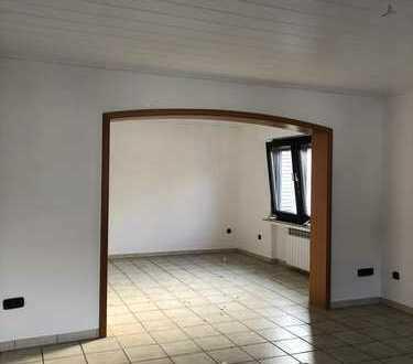 Gepflegte 4-Raum-Maisonette-Wohnung mit Balkon in Dortmund