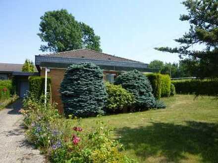 Gepflegtes Einfamilienhaus (Bungalow) mit Garten & 2 Garagen in Dortmund-Brackel zu verkaufen