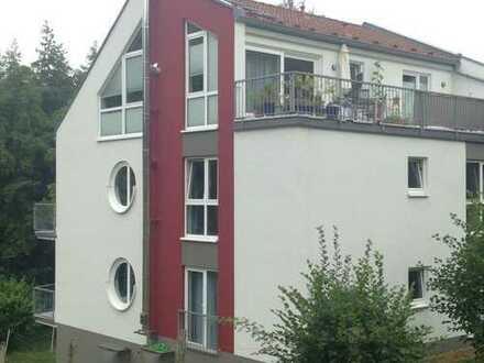 Gepflegte 3,5-Zimmer-Erdgeschosswohnung mit Balkon - vermietet -