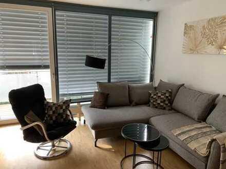 Möbliert: Ruhige und neuwertige 2-Zimmer-Wohnung mit Balkon und Einbauküche in Maxvorstadt, München