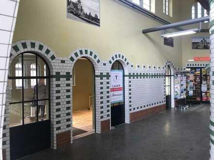 Schöne Fläche im Bahnhof Nikolassee