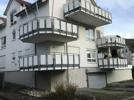 Ruhig gelegene helle 2-Zimmer mit Balkon, Garten zur alleinigen Nutzung und EBK in Remseck am Neckar