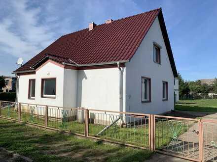 Erstbezug nach Sanierung: helles 4-Zimmer-Einfamilienhaus in Neutrebbin, OT Wuschewier