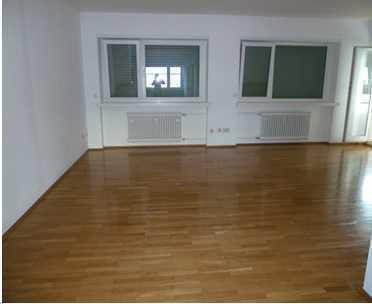 4,5 Zimmerwohn.energieeff.,ruhige,lichtdurchflutete Wohn.,zentrumsnah mit Hausmeisterservice