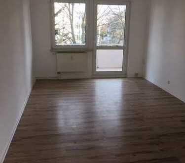 Tolle helle Wohnung in sehr gutem Zustand - Balkon.