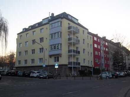 Moderne DG-Wohnung mit Balkon in Do-südl. City (Landgrafenstrasse)