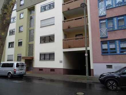 Schöne, geräumige ein Zimmer Wohnung mit Loggia & Tiefgarage im Zentrum von Ludwigshafen am Rhein