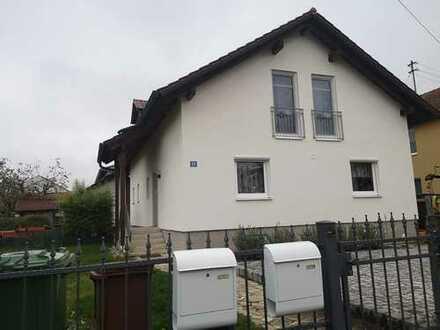 Modernisierte 4-Zimmer-Wohnung mit Balkon in Ernsgaden