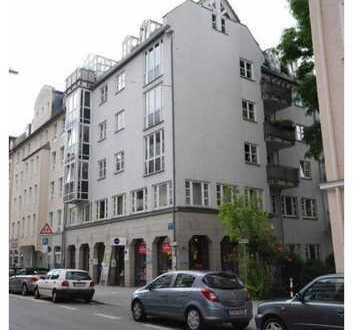 Vermietete 2-Zimmer-Einheit mit Balkon im 1. OG - für Kapitalanleger - 2,51 % Rendite