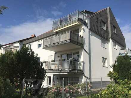 Freundliche und helle 2-Zimmer-Dachgeschoss-Wohnung mit Traumblick - Verkauf im Bieterverfahren
