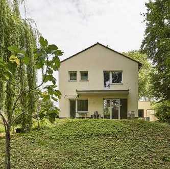 Freistehendes Einfamilienhaus mit Baugrundstück in Heimersdorf - 1677 qm Gesamtgrundstück