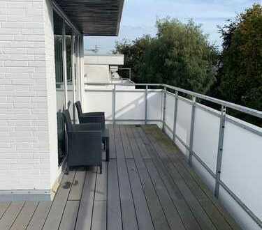 Rarität ... sonnige bezahlbare Penthouse-Wohnung mit 3 Dachterrassen