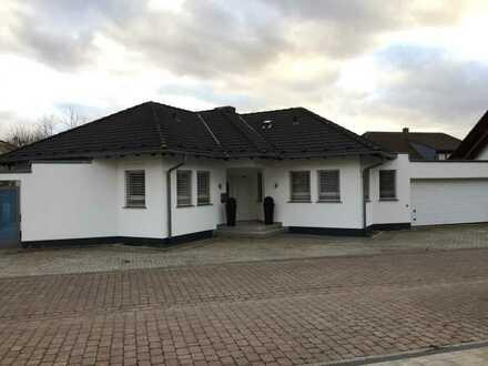 Einfamilienhaus Bauhausstil zu vermieten, Nettokaltmiete 1.950€ - provisionsfrei
