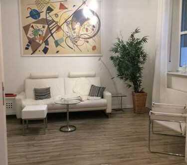 Top moderne, gemütliche & 2,5 Zimmer Altbau-Wohnung mit Gartenanteil in Hassels!