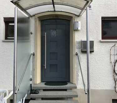 5-Zi-Wohnung mit eigenem Eingang, 2 Stellplätzen und EBK in Bad Rappenau - ohne Makler