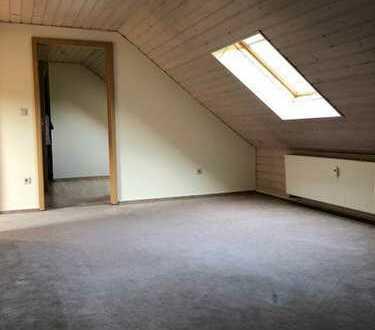*Ruhige Wohnlage! Schöne 3-ZI.-Wohnung in Rauenstein, 68m²*