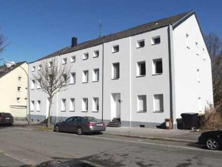 Schöne 2,5 Zimmer-Wohnung mit großer Wohnküche