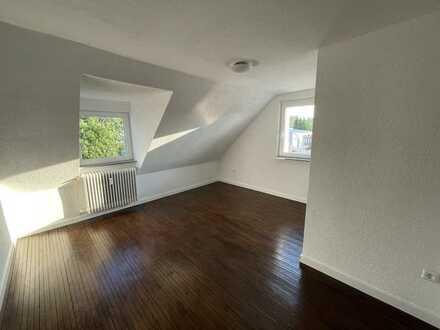 Ansprechende, renovierte 2-Zimmer-DG-Wohnung zur Miete in Villingen-Schwenningen