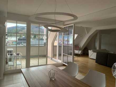 Exklusive, geräumige und gepflegte 3-Zimmer-Wohnung mit Balkon und EBK in Baden-Baden