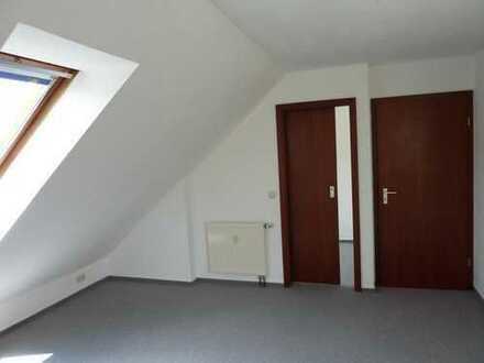 Schöne teilmöblierte 1,5 Zimmer Dachgeschosswohnung