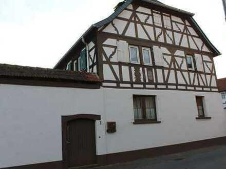 Bauernhaus mit Nebengebäuden in 55595 Mandel