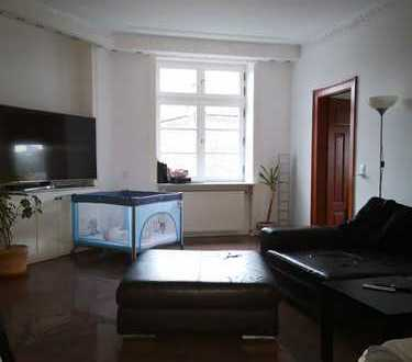 3 ZW in stilvoll saniertem Jungendstilhaus mit Aufzug und Neustadtlage in Rheinnähe