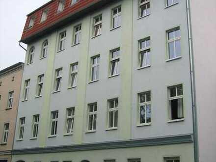Wunderschöne 3 Raum Altbau-Dachgeschosswohnung in ruhiger Lage