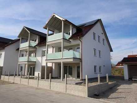 Erstbezug: Gehobene 4-Zimmer-Wohnung mit Balkon in Ettringen