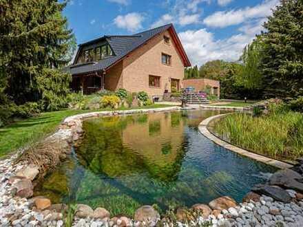 Hochinteressantes Einfamilienhaus mit schönem Garten und Naturschwimmteich in Berlin-Kaulsdorf-Süd