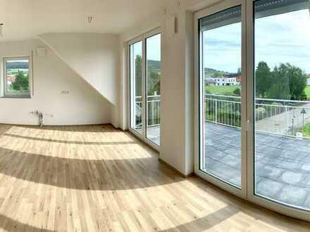 EBK und Balkon: attraktive 3-Zimmer-Wohnung in Langenenslingen