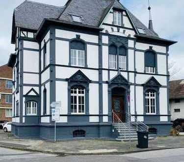 Absolute Rarität: Kernsanierte Denkmal-Villa in Leichlingen