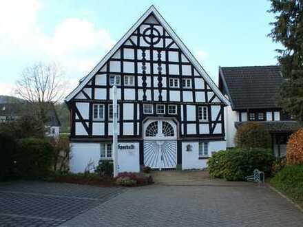 Eine einmalige Gelegenheit - Wohn- und Geschäftshaus in Lenhausen