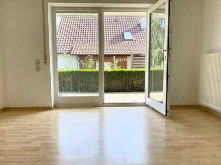 Nette & gemütliche 2-Raum-Whg. mit Terrasse und Einbauküche