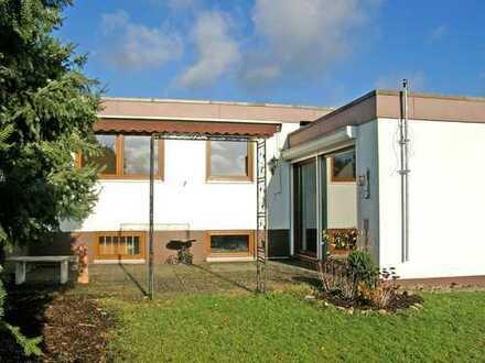 POCHERT IMMOBILIEN - Sehr schönes, gepflegtes Reihen-Eckhaus in sehr guter Wohnlage