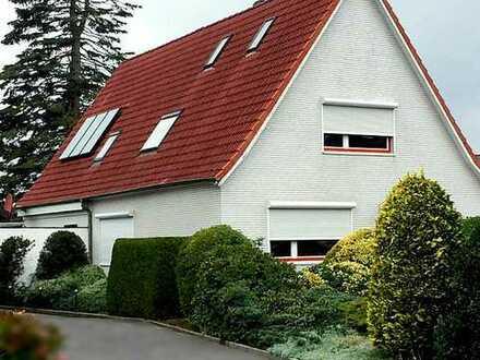 Schönes freistehendes Haus in Neumünster S-H, Tungendorf 1-2 WE