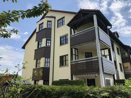 Freundliche helle 4-Zimmer-Wohnung mit Südwest-Loggia und Einbauküche in Diedorf