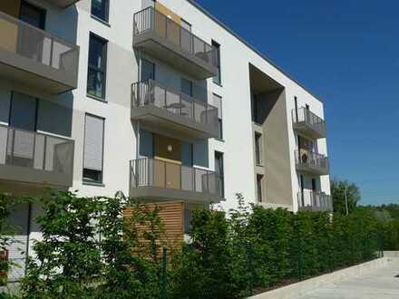 Neubau: Helle 3-Zimmer-Dachgeschosswohnung mit Ostbalkon und Westloggia