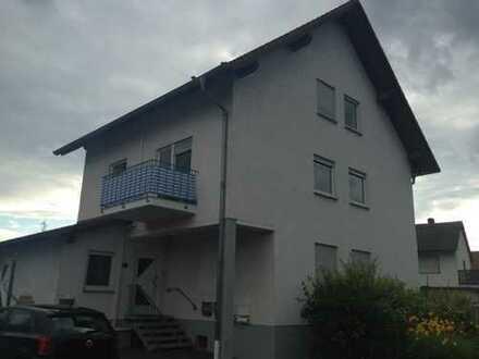 Geräumige 3 Zimmerwohnung zentral aber ruhig mit Balkon + 2 Stellplätzen