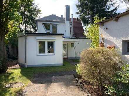 Gepflegte 4-Zimmer-Wohnung mit Terrasse und Einbauküche in Fürth