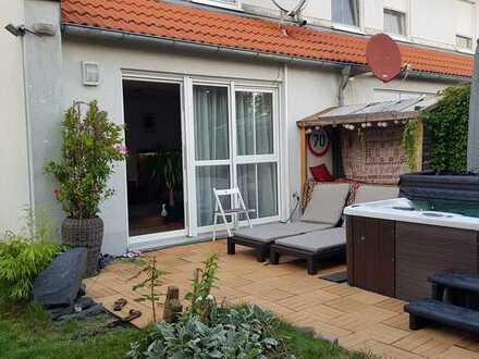 Ansprechendes Reihenendhaus mit fünf Zimmern und EBK in Ost, Bayern - Bamberg